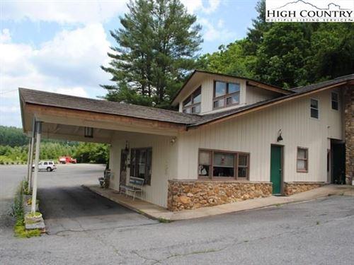 Well Known Inn in Roaring Gap : Roaring Gap : Alleghany County : North Carolina