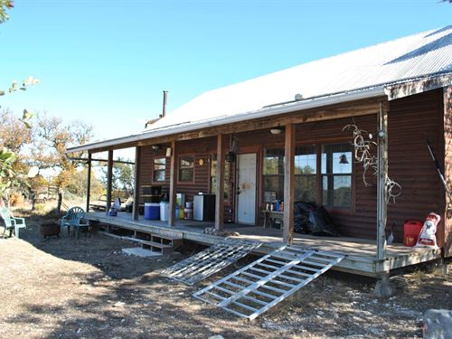 Little Horse Pasture : Rocksprings : Edwards County : Texas