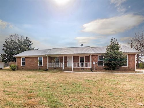 3Br, 2Ba Brick Ranch Sanford, NC : Sanford : Lee County : North Carolina