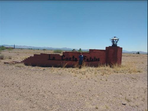 Amazing Opp Zoned 1 Ac Lot : Douglas : Cochise County : Arizona