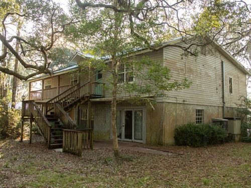 A Diamond in The Rough River Home : Mayo : Lafayette County : Florida