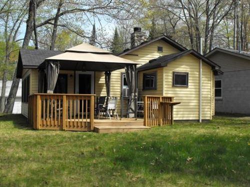 Cabin Canada Creek Ranch Atlanta MI : Atlanta : Montmorency County : Michigan