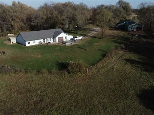 Secluded Acreage With Home : Edgerton : Platte County : Missouri
