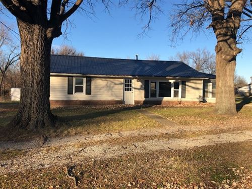 Fully Remodeled Home, Priced To : Chillicothe : Livingston County : Missouri