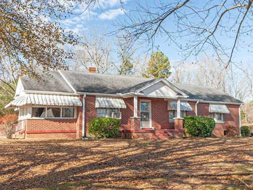 Classic Brick Home Bethel Springs : Bethel Springs : McNairy County : Tennessee