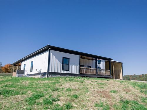 Country Living Modern Design : Culleoka : Maury County : Tennessee