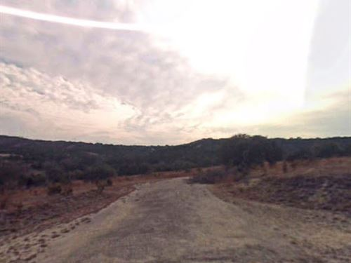 Buildable Lot Near Two Lakes No 296 : Lago Vista : Travis County : Texas