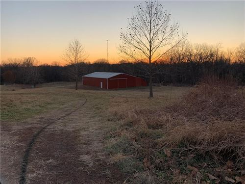 5 Acres, Building Potential, Metal : Savannah : Andrew County : Missouri