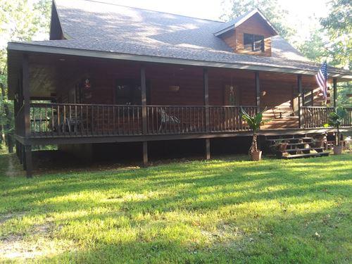 Private, Custom Built Log Home : Norwood : Wright County : Missouri
