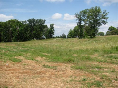 High Traffic Area Across From Lake : Huntingdon : Carroll County : Tennessee
