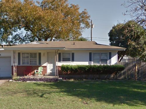 Income Producing House + Vacant Lot : Temple : Bell County : Texas
