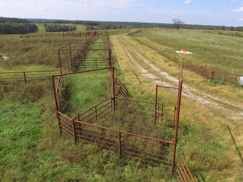 1000 Acre Cattle Ranch/Hunting : Edwards : Benton County : Missouri