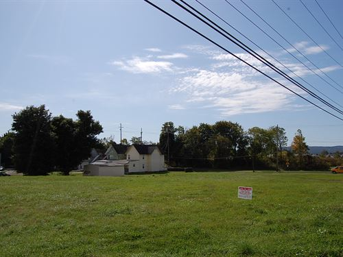 Large Residential Lot in Town : Elmira : Chemung County : New York