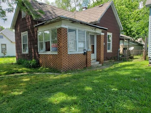 Home in Indiana For Sale : Terre Haute : Vigo County : Indiana