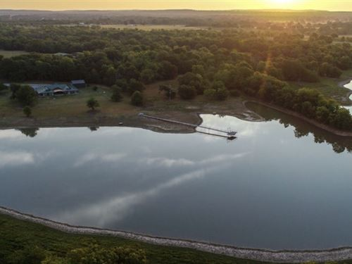 Beautiful Home On 300 Acres : Coal County : Coal County : Oklahoma