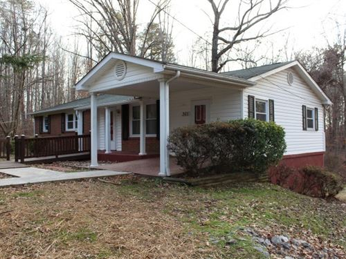 Ranch Style Home Located Henry : Spencer : Henry County : Virginia