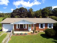Home With Views of National Forest : Troutdale : Grayson County : Virginia