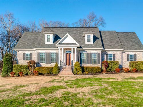 Custom Home & Venue : Columbia : Maury County : Tennessee
