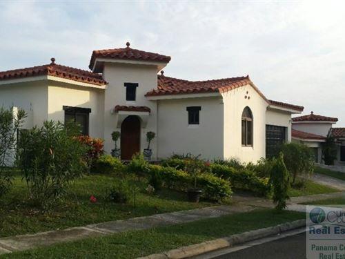 Beach House Rent & Sale Vista Mar : San Carlos : Panama