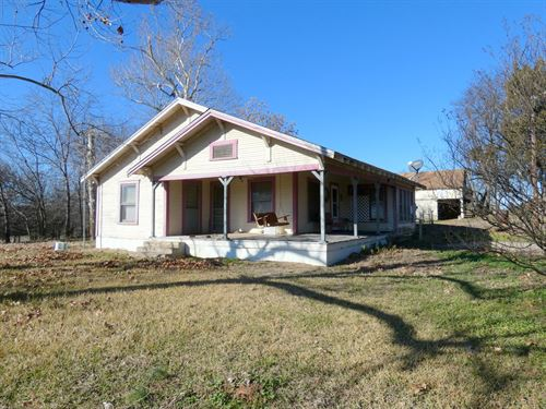 Over 23 Rolling East Texas Acres : Como : Wood County : Texas