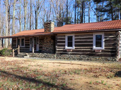Country Log Home in Willis VA : Willis : Floyd County : Virginia