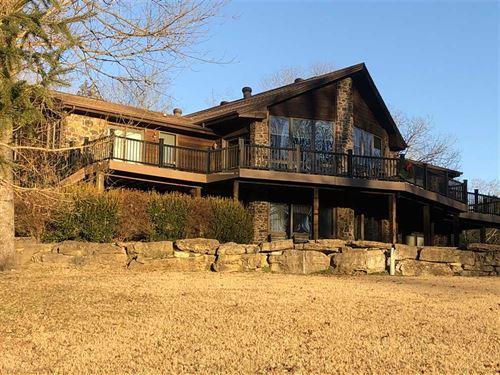 Luxury Home Overlooking 300-Feet : Flippin : Marion County : Arkansas