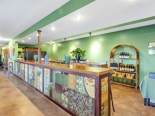 Northern Virginia Winery : Berryville : Clarke County : Virginia