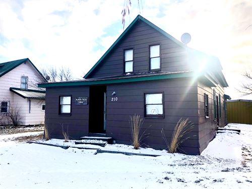 Saco Montana Hunting Lodge : Saco : Phillips County : Montana
