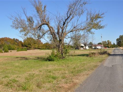 10.61 A Commercial/Residential : Poteau : Le Flore County : Oklahoma
