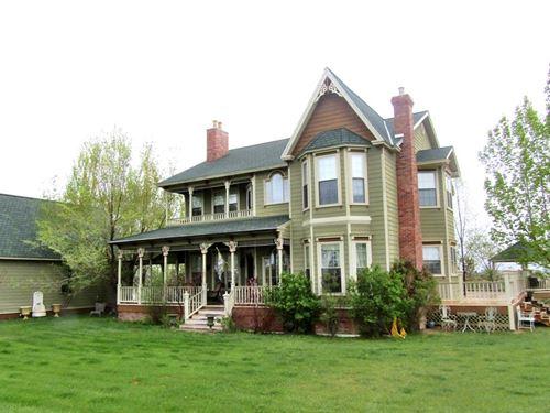 Victorian Home, Modern Amenities : Emblem : Big Horn County : Wyoming