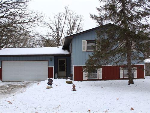 3Br/2Ba Country Home Oak Grove : Oak Grove : Anoka County : Minnesota