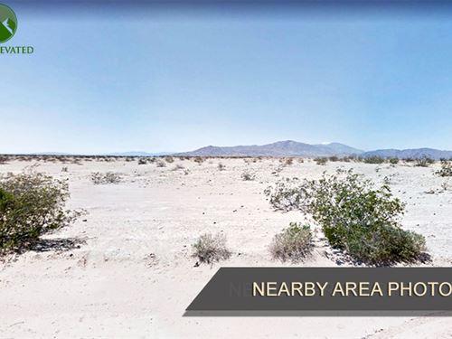Land Close to The Sea, 0.24 Acres : Salton City : Imperial County : California