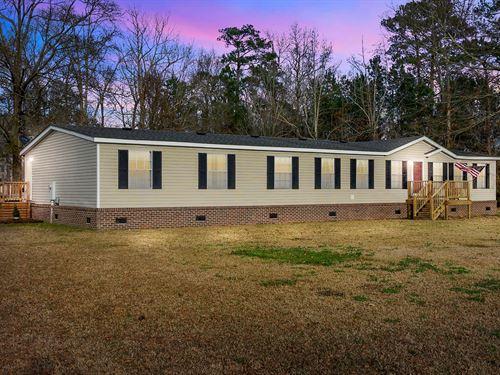 Spacious Yet Cozy Home Situated : Elizabeth City : Pasquotank County : North Carolina