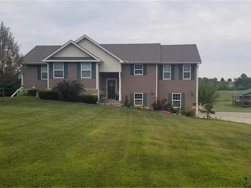 Custom Built One Owner, 4 Bed, 2.5 : Gower : Clinton County : Missouri