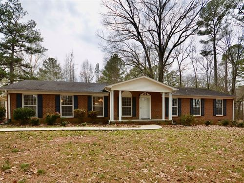 201 Johnson Street Sw Hartselle AL : Hartselle : Morgan County : Alabama