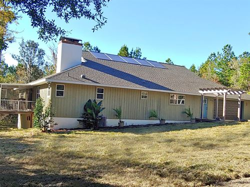 Hernando County House and Acreage : Brooksville : Hernando County : Florida