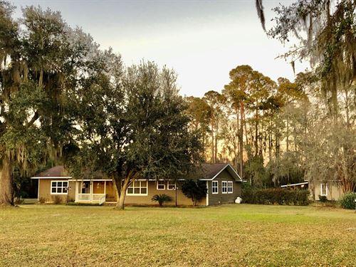 Charming 3/2 Home 1.5 Acres Jasper : Jasper : Hamilton County : Florida