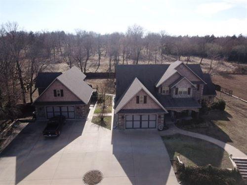 Oklahoma Country Home Lake Pasture : Howe : Le Flore County : Oklahoma