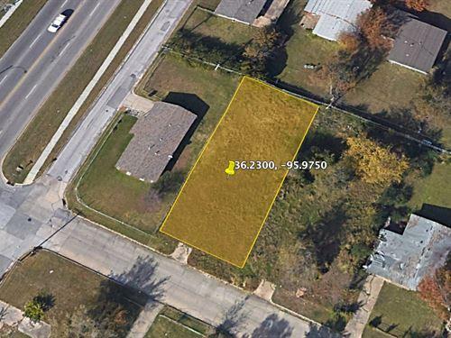 .17 Acre Neighborhood Lot For Sale : Tulsa : Oklahoma