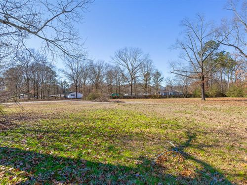 R-3 Zoning, Level Lot : Rossville : Walker County : Georgia