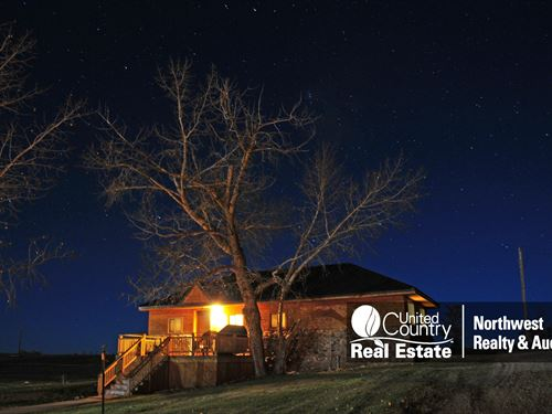 Sleeping Buffalo Resort, Cabin 3 : Saco : Phillips County : Montana