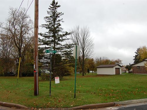 Residential Corner Lot : Ladysmith : Rusk County : Wisconsin
