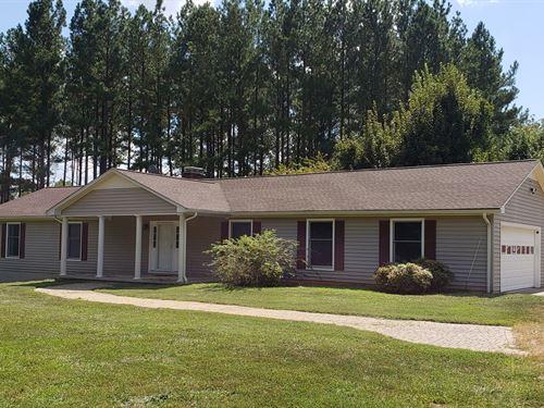 40 Acres Beautiful Ranch Home : Chatham : Pittsylvania County : Virginia