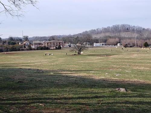 Deep Springs Farm With Home : Dandridge : Jefferson County : Tennessee