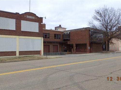 Warehouse Industrial Complex Topeka : Topeka : Shawnee County : Kansas
