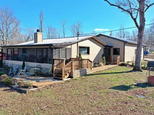 Beautiful Home Tennessee River : Linden : Perry County : Tennessee
