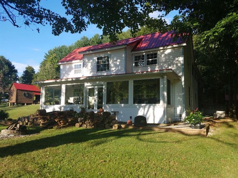 Gorgeous Farmhouse on 68 Acres : French Creek : Upshur County : West Virginia