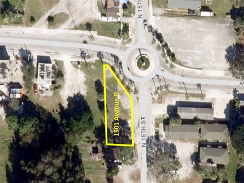 Corner Lot in Fantastic Ft Pierce : Fort Pierce : Saint Lucie County : Florida