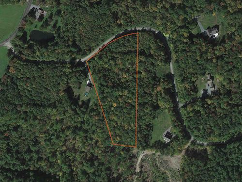 Gentle Sloping and Wooded to Build : New Lebanon : Columbia County : New York