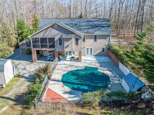 Waterfront Home Amazing Views Kerr : Clarksville : Mecklenburg County : Virginia